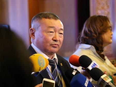 News paparazzi: Х.Баделхан гишүүний зөвлөх бусдыг хутгалж хүнд гэмтээжээ