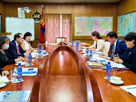 News Paparazzi:Дэлхийн банкнаас Монголд 50 орчим сая ам.долларын зээл, тусламж үзүүлнэ