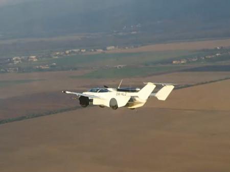 """News paparazzi : ВИДЕО: """"AirCar"""" компанийн нисдэг машин анхны туршилтын нислэгээ хийжээ"""