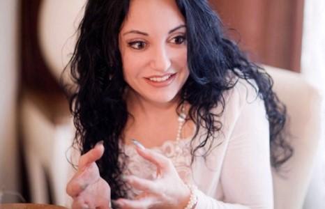 Фатима Хадуеваг хэн захиалав?