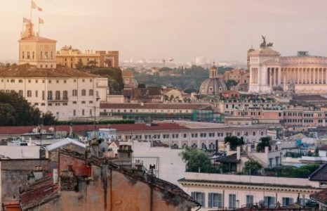 Хүнгүй, хоосон Итали: Италийн найруулагч сэтгэл хөдөлгөм видео хийжээ