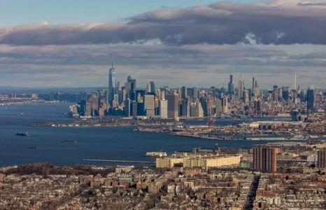 Нью-Йоркт дунд сургуулиуд, шөнийн цэнгээний газруудыг хаана
